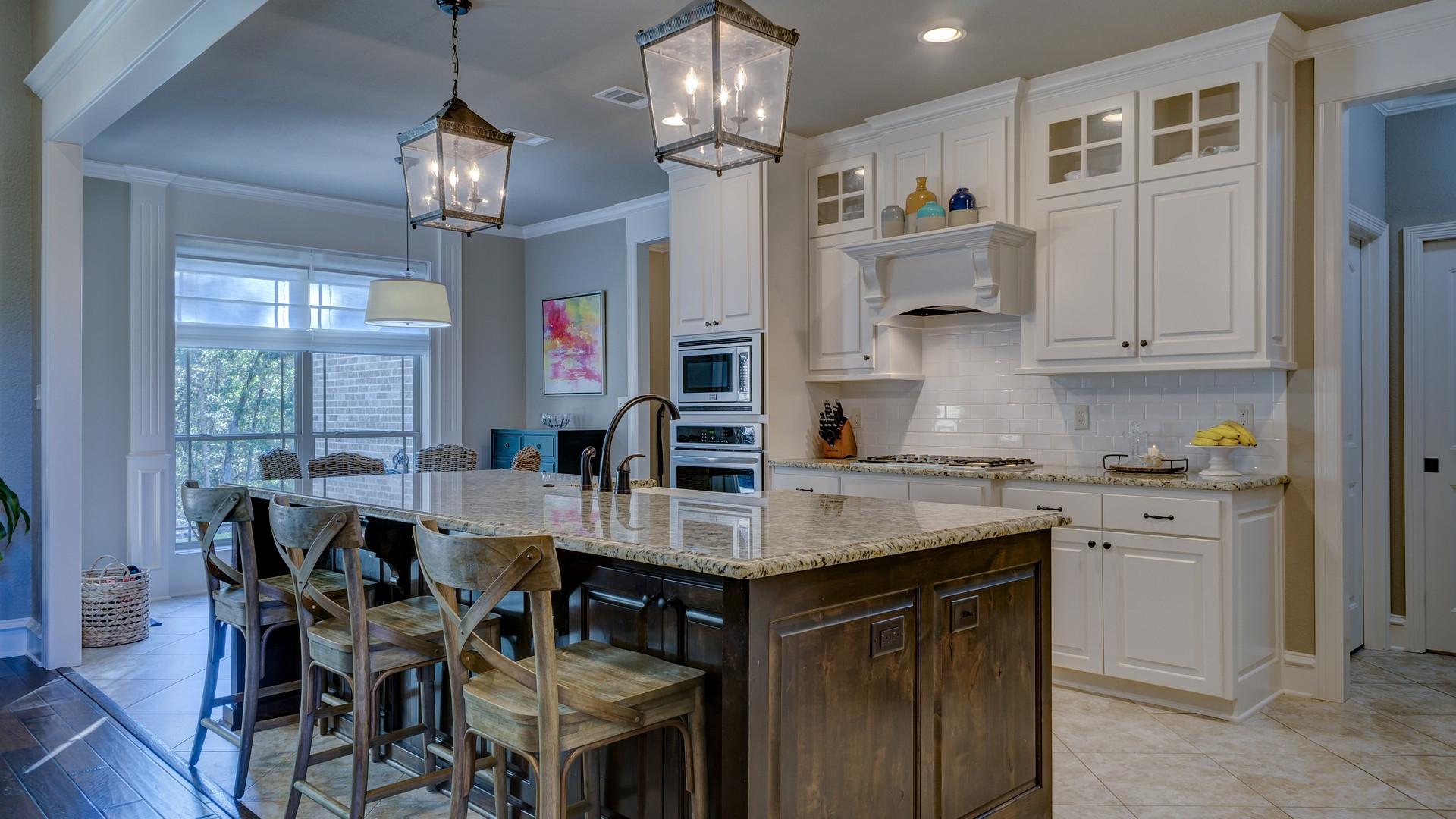 Comment réagir si un promoteur veut acheter votre maison fraîchement rénovée ?