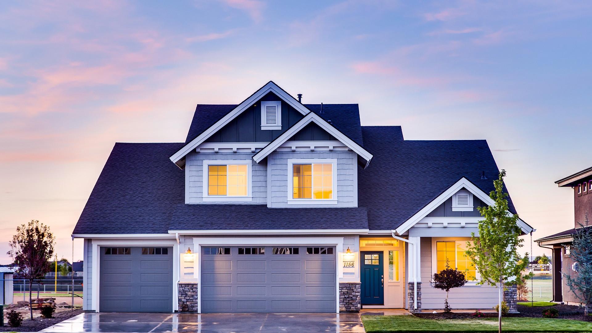 Installez un rideau métallique afin d'améliorer l'isolation de votre demeure